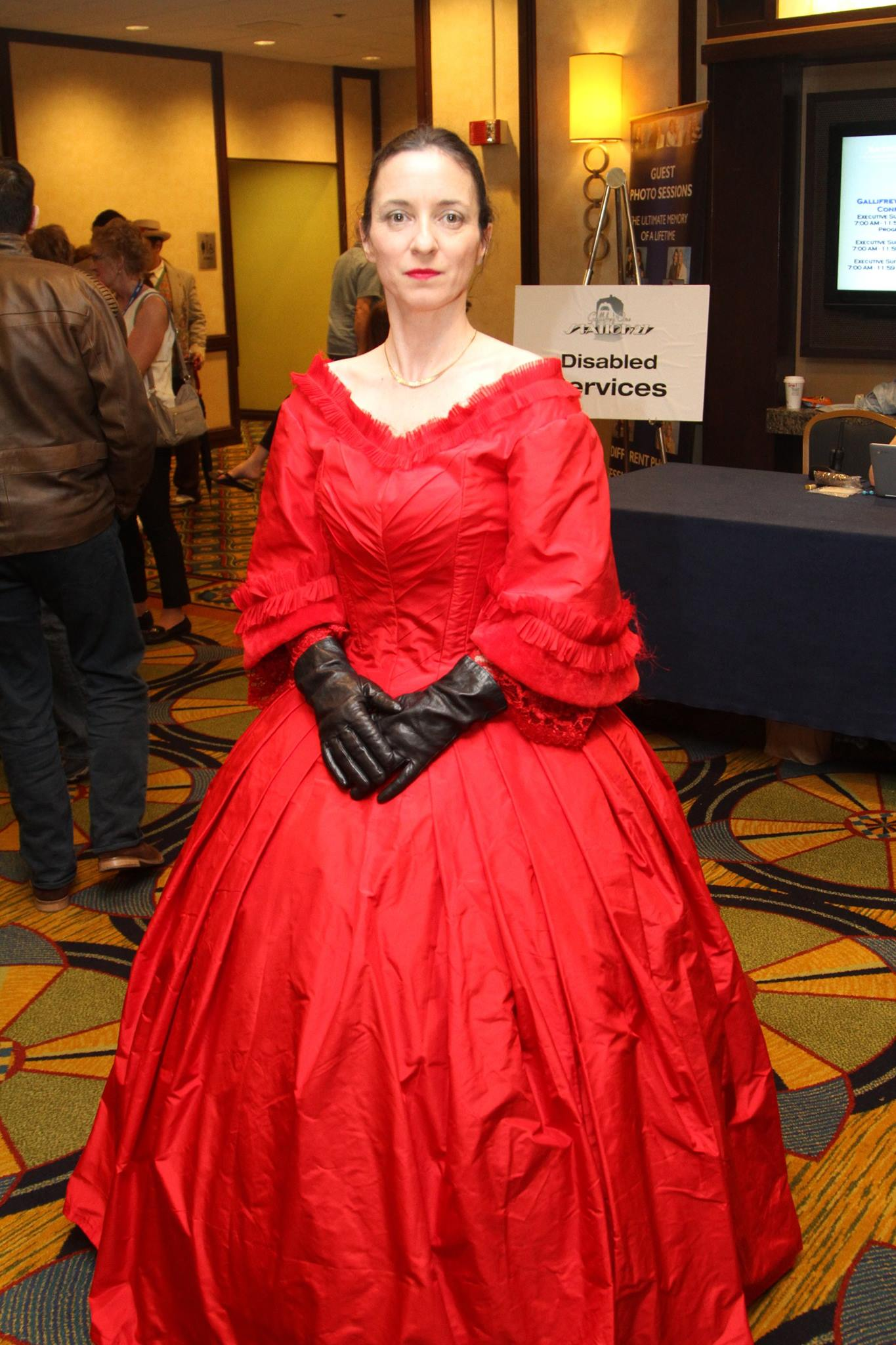 Your humble author in her Mercy Hartigan rig. Silk taffeta.