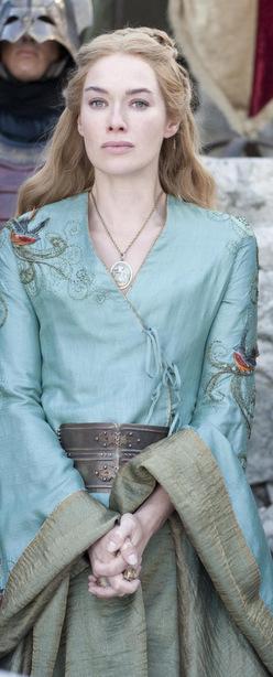 Cersei, outdoors.