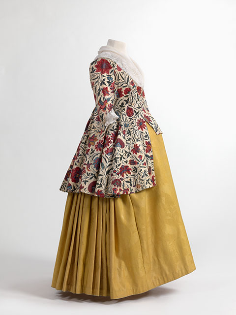 Chintz jacket and wool damask skirt. Early 19th century. Source: Momu Fashion Museum of Antwerp via Wikimedia Commons.