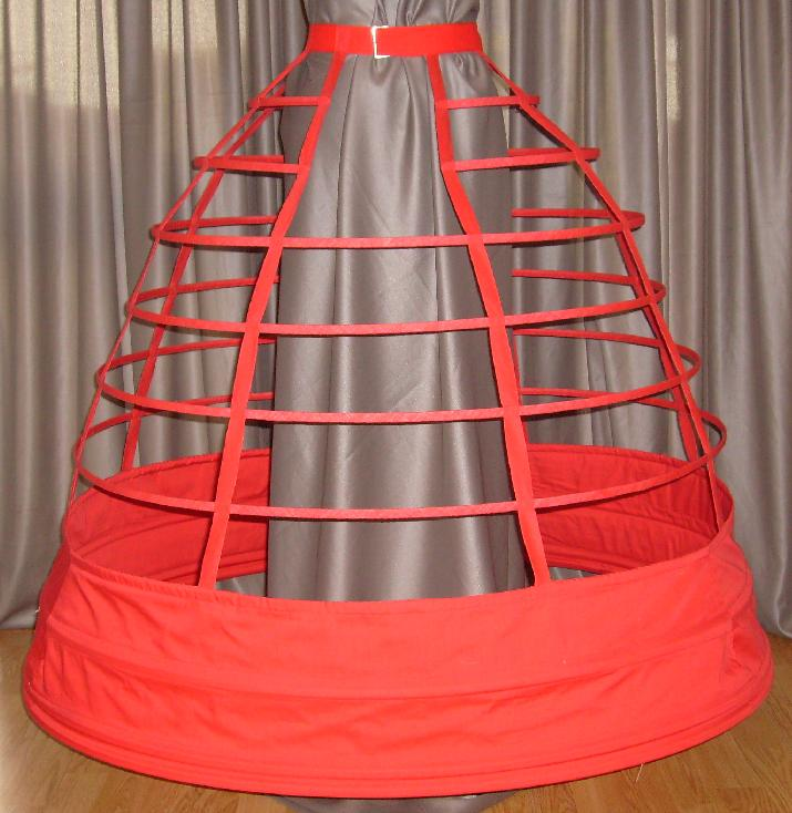 Reproduction of a cage crinoline of 1858. I'm not sure, but I think the creator used the Truly Victorian pattern for this. (I have, it's awesome). Source: Flickr CC