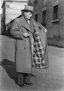 Coat with visible (presumably flannel) lining, 1953. Source: Deutsches Bundesarchiv via Wikimedia Commons.