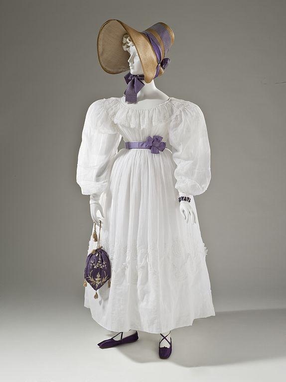 Dress of cotton muslin, 1830. Source: LA County Museum of Art.