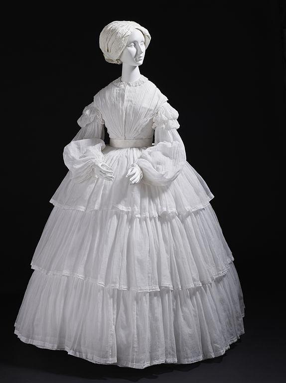 Dress of cotton muslin, 1855. Source: Wikimedia Commons.
