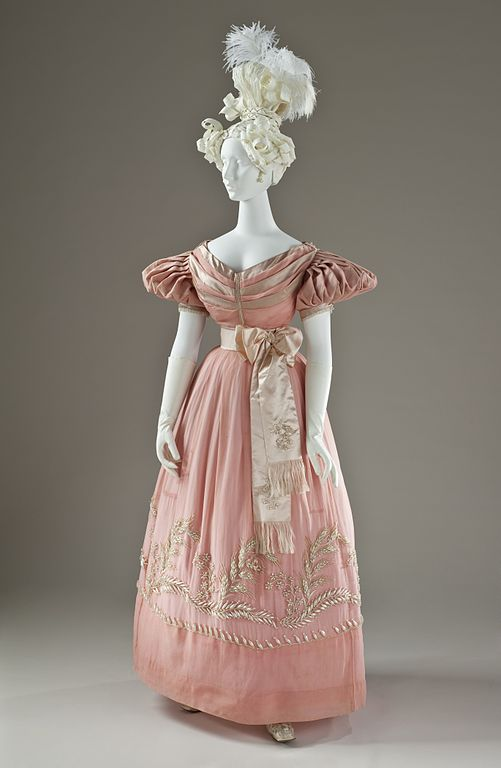 Dress of silk satin and silk organza, 1830. Source: Wikimedia Commons.